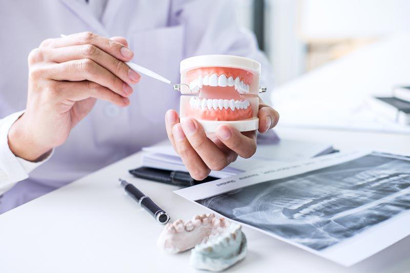 Frattura della protesi mobile e della dentiera cosa fare
